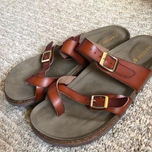 afd4abb28d560 Madden Girl Shoes - LIKE NEW Madden Girl Bryceee Flat Sandal in Cognac